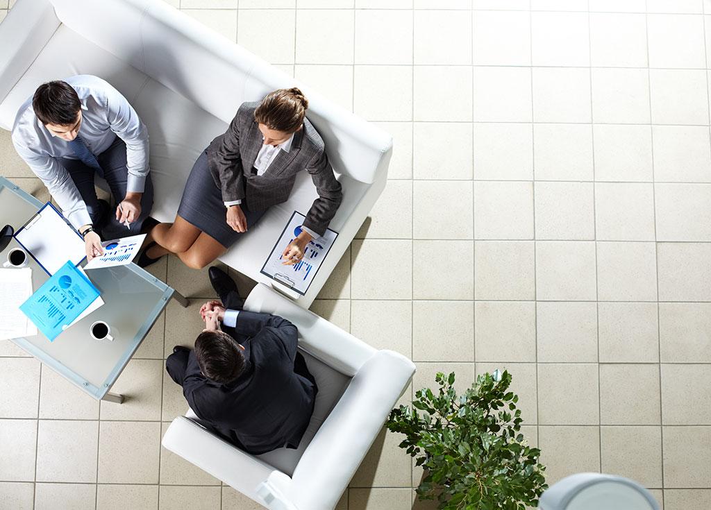 businees people in meeting